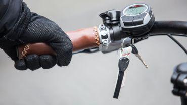 Le guidon d'un vélo électrique