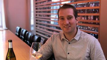 François Van de Casteele, le sommelier du Pilori, propose une carte des vins très variée qui compte un millier de références
