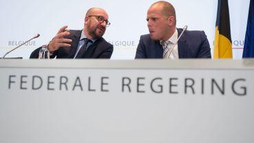 Réfugiés: Théo Francken menace de fermer les frontières belges
