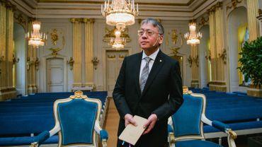 La dernière personne à avoir reçu le Prix Nobel de Littérature est l'écrivain britannique Kazuo Ishiguro, en 2017.