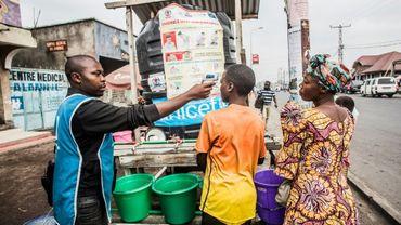 Contrôle de la température corporelle des habitants de Goma, lors de l'épidémie du virus Ebola, le 31 juillet 2019 en RDC