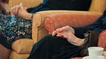 Des personnes atteintes de la maladie d'Alzheimer dans une maison de retraite en Grande-Bretagne