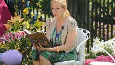 L'auteure anglaise J.K. Rowling, créatrice de Harry Potter, sortira son nouveau livre