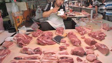 Etalage de viande sur un marché en Chine