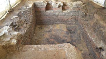 Cave maçonnée d'un relais-routier gallo-romain découvert au Hauts-Sarts