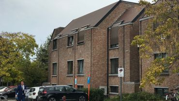 Arrivée de Maître Luyckx, avocat de Dejan Veljkovic, à Hasselt ce jeudi matin (photo Quentin Warlop)