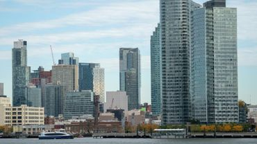 Le quartier de Long Island City, photographié ici le 7 novembre 2018, fait partie des deux lieux pressentis pour accueillier un nouveau siège d'Amazon, en plus de celui du géant de la vente en ligne à Seattle
