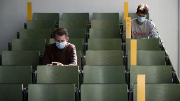 Coronavirus en Belgique: près de 9500 élèves et étudiants nouvellement mis en quarantaine