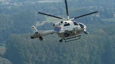 Malgré la présence de nombreux policiers aidés par l'hélicoptère de la police fédérale, les malfrats ont réussi à s'évaporer dans la nature (photo d'illustration).