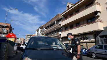 Contrôle de police dans un quartier de Madrid le 22 septembre 2020.