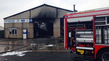 Un incendie a éclaté, ce mercredi en milieu d'après-midi, dans une carrosserie, au zoning de la Boverie.