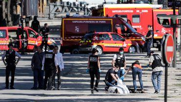 Attentat raté aux Champs-Elysées: quatre membres de la famille de l'assaillant en garde à vue