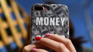Payer avec son téléphone portable : un geste qui s'impose de plus en plus.