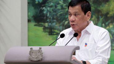 Philippines: Duterte veut un accès gratuit à la pilule pour six millions de femmes