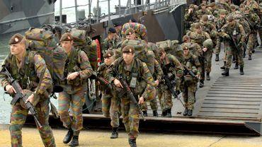 Un plan pour rétablir l'équilibre linguistique à l'armée
