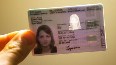 La Cour constitutionnelle valide la carte d'identité à empreintes digitales