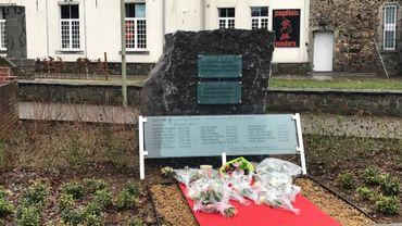 Stèle en hommage aux 19 victimes de la catastrophe ferroviaire de Buizingen