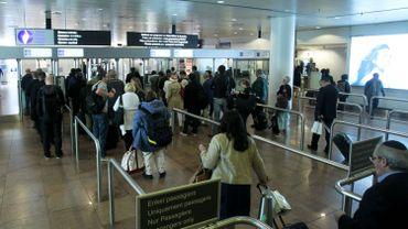 Attentats à Bruxelles - La police de l'aéroport national de Zaventem menace de partir en grève