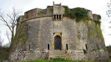 Le Fort Paté est un fort militaire construit sur l'une des îles de l'estuaire de la Gironde, l'île Paté
