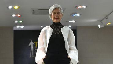 Choi Soon-hwa,75 ans, défile sur les podiums, devenant une icône improbable en Corée du Sud.