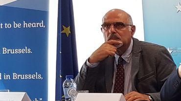 Le journaliste belge Maroun Labaki lors d'une conférence de presse à Bruxelles.