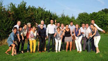 Le groupe Avenir communal de retour aux affaires à Walhain. Au centre de la photo, Xavier Dubois, futur bourgmestre (CDH).