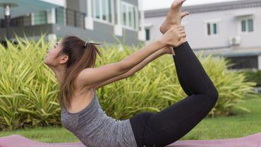 5 postures de yoga pour retrouver un ventre plat