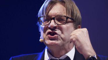 Lutte contre l'homophobie: Guy Verhofstadt critique un eurodéputé N-VA