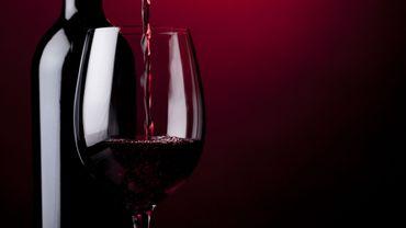 Un verre de vin rouge par jour peut-il prémunir contre le cancer de la prostate?
