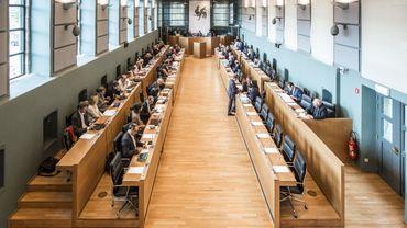 Le parlement wallon a approuvé un décret réduisant le taux d'imposition de certains régimes de donations