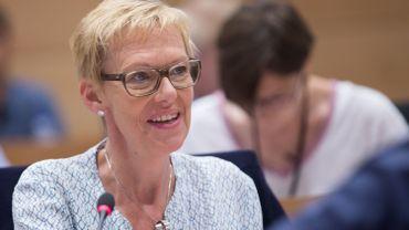 Karine Lalieux est actuellement députée fédérale mais également échevine de la Culture et de la Propreté.