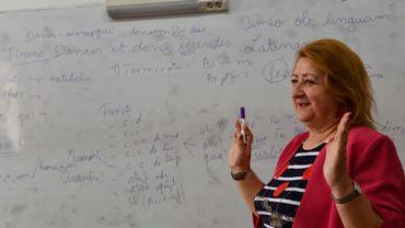 Gheorghita Cucu, une professeure du latin, à Pitesti, en Roumanie, le 6 avril 2017