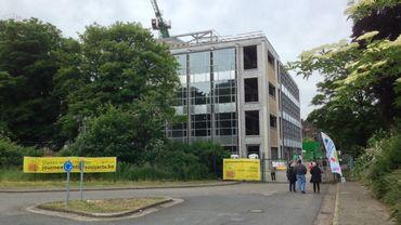 """Journée """"Chantiers Ouverts"""" : à Liège, visite du chantier de l'ancien bâtiment du Génie Civile sur le site du Val Benoît."""