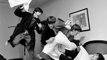 L'hôtel George V à Paris organise une exposition photo sur les Beatles