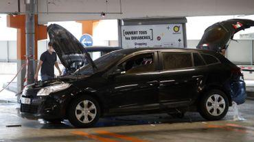 La voiture abandonnée par Redoine Faïd après son évasion en hélicoptère.