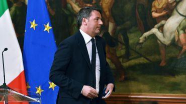 """Italie: Matteo Renzi démissionne après le """"non"""" cinglant des Italiens au referendum"""
