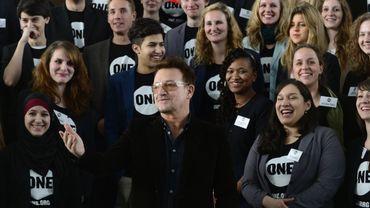 Bono, et des membres de l'association sans but lucratif ONE