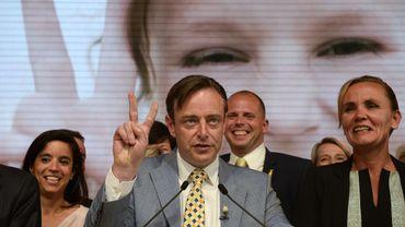 """Victoire incontestable de la N-VA: """"Fossé entre francophones et Flamands"""", dit De Wever"""