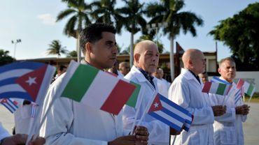 L'équipe est composée de 36 médecins et 15 infirmiers.