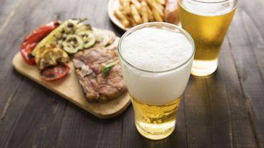 Quelle bière pour accompagner son barbecue? - © villagemoon - Getty Images/iStockphoto