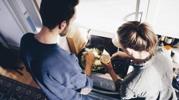Confinement : la charge mentale des femmes au sein du couple s'immisce aussi dans la préparation des repas.