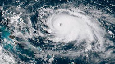L'ouragan Dorian de catégorie 5 à balayer les Bahamas avec des vents proches de 300 km/h