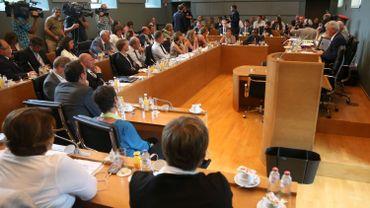 Illustration: les travaux de la Commission de vérification des pouvoirs sont bloqués, elle n'a pas encore pu valider les élections