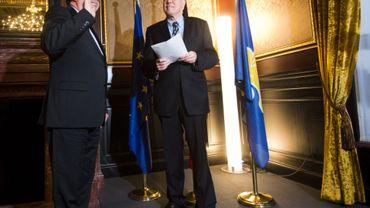 Le bourgmestre d'Evere, Rudi Vervoort, prête serment devant Charles Picqué, le Ministre-Président de la Région bruxelloise