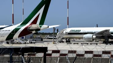 """Coronavirus: l'Italie annonce les premiers vols """"Covid-free"""" entre Europe et Etats-Unis"""