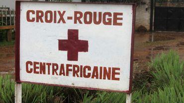 Un panneau de la Croix-Rouge à Bangui en Centrafrique, le 21 août 2014