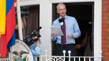 Julian Assange au balcon de l'ambassade de l'Equateur à Londres