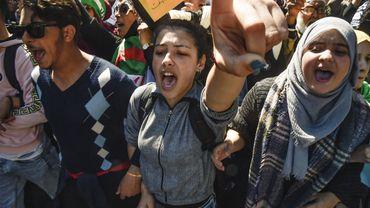 Algérie: les étudiants dans la rue contre les législatives anticipées