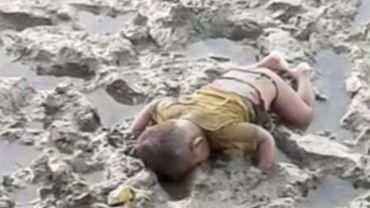 L'image de ce bébé rohingya mort noyé va-t-elle réveillé les consciences? C'est le dernier espoir du père de l'enfant