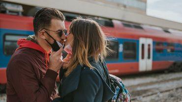 Covid-19 : une étude américaine évalue les conséquences sur la santé mentale et les relations amoureuses.
